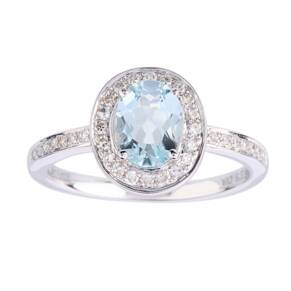 Oval Aquamarine and Diamond Ring in 9 Carat White Gold - Ring Size L